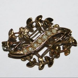 Vintage gold and seed pearl brooch